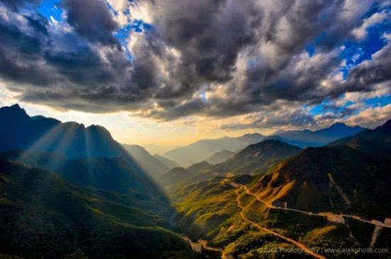 spectacular-scenery-at-O-Quy-Ho-Pass